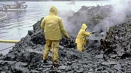 What Happens When an Oil Spill Occurs?