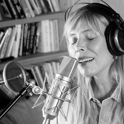 Joni Mitchell recording in her home studio